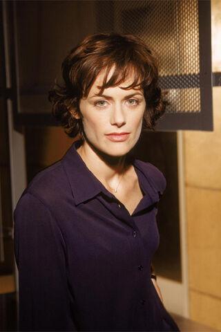 File:Nina Myers Season 1.jpg