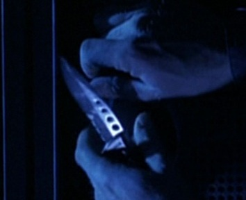 File:3x17 knife.jpg