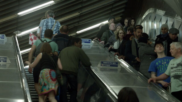 File:Liverpool-street-station-escalator.jpg