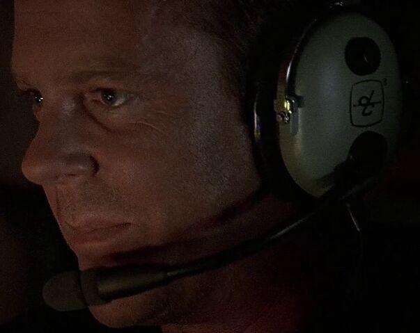 File:2x15 plane headset.jpg