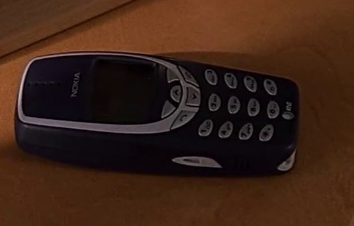 File:2x02 Kim's phone.jpg