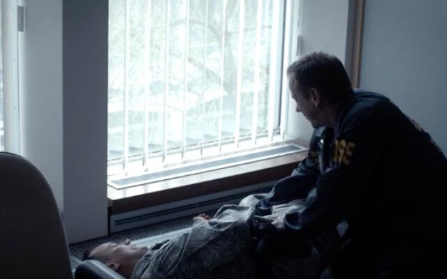 File:24 LAD Ep.4- Jack Bauer knocks out Greg Denovo.jpg
