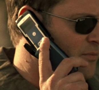 File:5x02 Nathanson's man phone.jpg