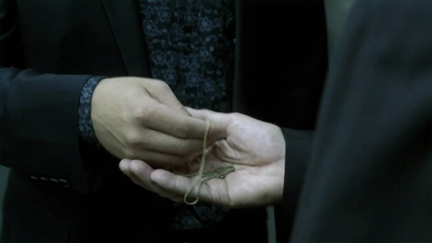 File:8x08 Necklace.jpg