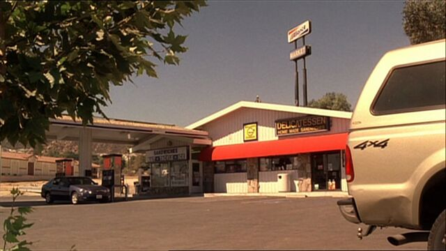 File:4x04 gas station.jpg
