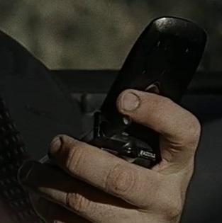 File:1x19 Mason phone.jpg