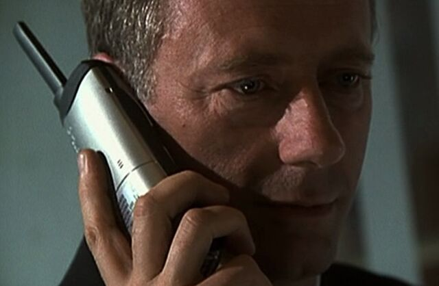 File:1x01 Jack office phone.jpg