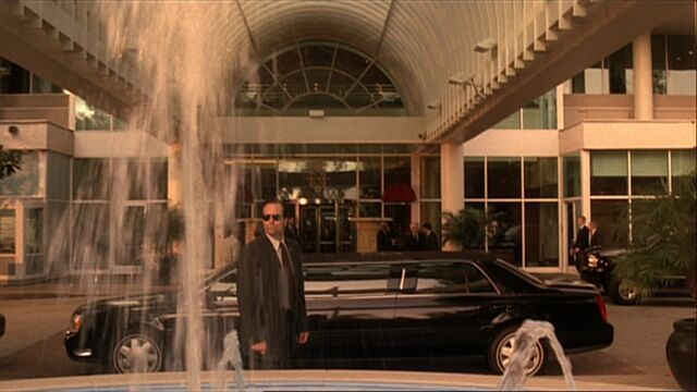 File:4x01 Westmore hotel.jpg