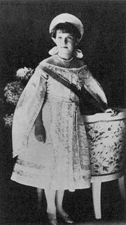 220px-Anastasia in court gown 1910 2