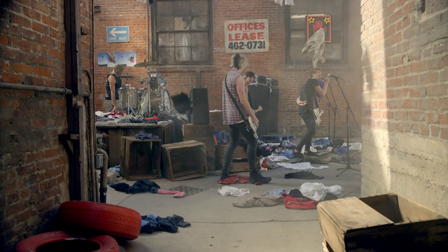 File:5 Seconds of Summer - She Looks So Perfect - 5 Seconds of Summer Wiki (137).png