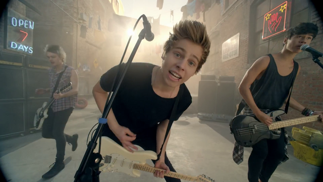 File:5 Seconds of Summer - She Looks So Perfect - 5 Seconds of Summer Wiki (60).png