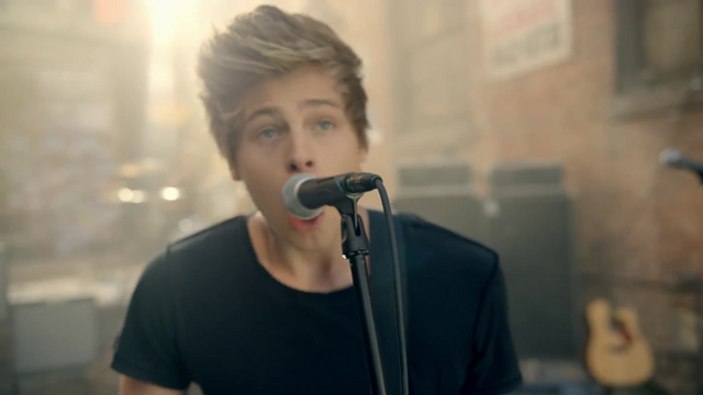 File:5 Seconds of Summer - She Looks So Perfect - 5 Seconds of Summer Wiki (45).png