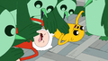 S4e24 penguins tackling Finn and Jake.png