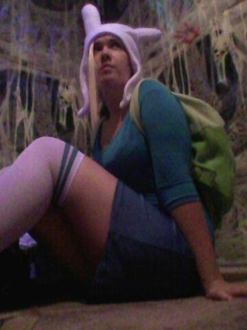 File:Kat Sit Fionna.jpg