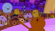 S5e52 Rap Bear performing