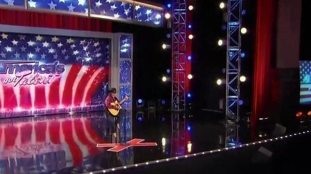 Lonnie Lear, 44 ~ America's Got Talent 2010, auditions Orlando-0