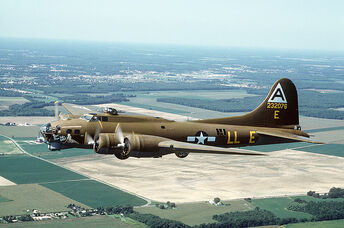 800px-B-17G Flying Fortress