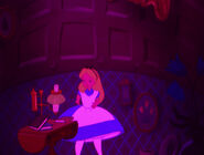 Alice-in-wonderland-disneyscreencaps.com-583