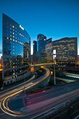 File:398px-La Défense, Paris April 2012.jpg