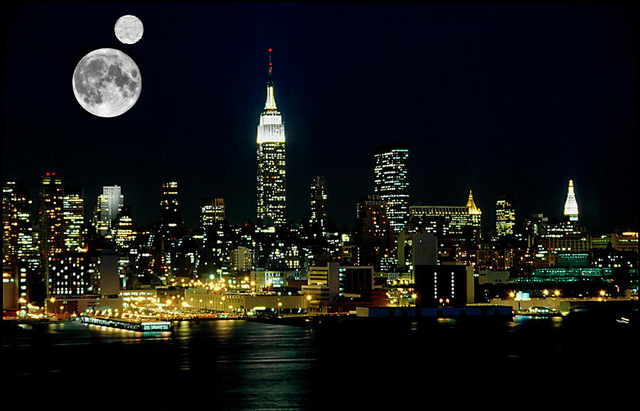 File:Two Moons over New Amsterdam.png