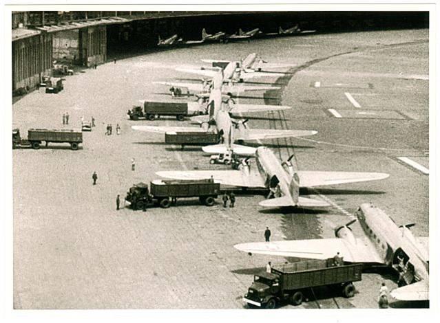 File:London Airlift 2.jpg