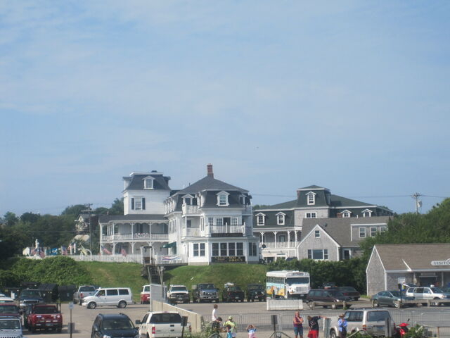 File:First southside view of tourists at Block Island, RI IMG 1172.JPG