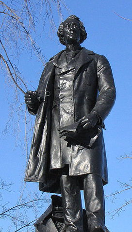 File:Statue of John A. McDonald.PNG