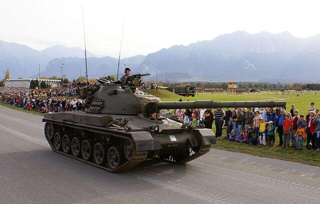 File:800px-Pz 61 Seite - Schweizer Armee - Steel Parade 2006.jpg