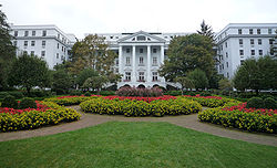 250px-2008-0831-TheGreenbrier-North