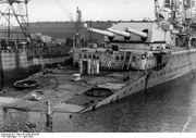 "Bundesarchiv Bild 101II-MN-1038-06, Kiel, Schwerer Kreuzer ""Lützow"""