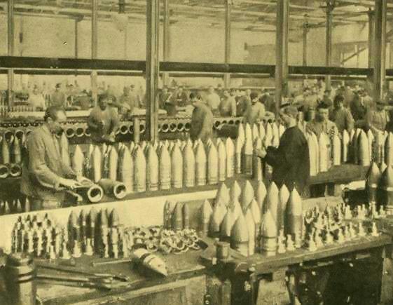 File:Krupp WOrks Germany - war machine in 1905.jpg