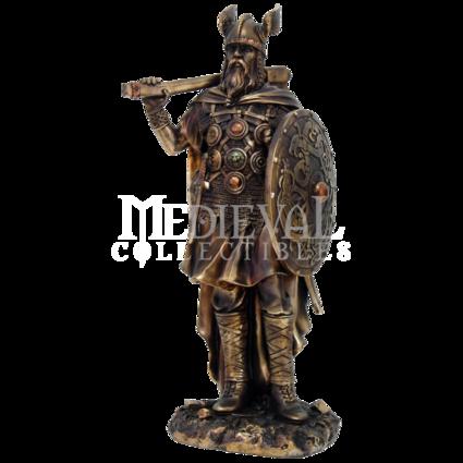 Yngve II Statue