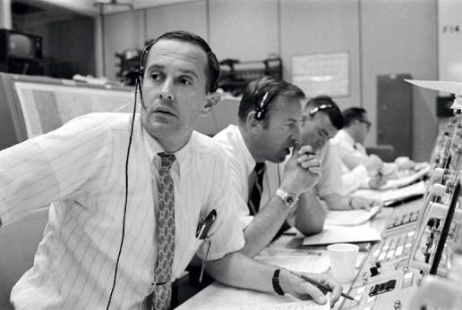 File:Duke, Lovell and Haise at the Apollo 11 Capcom, Johnson Space Center, Houston, Texas - 19690720.jpg