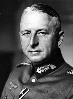 Bundesarchiv Bild 183-H01757 Erich von Manstein