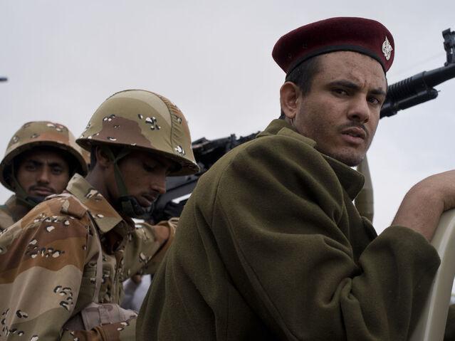 File:Soldiers - Flickr - Al Jazeera English.jpg