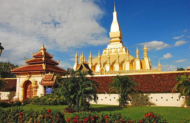 File:800px-Pha That Luang, Vientiane, Laos.jpg