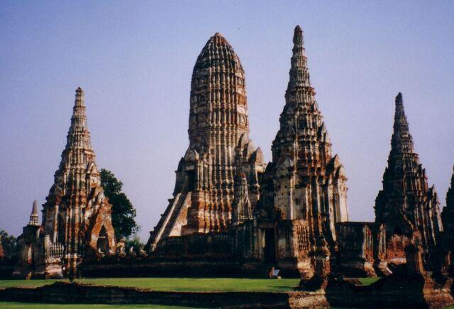 File:005 ruine-ayutthaya theredlist.jpg