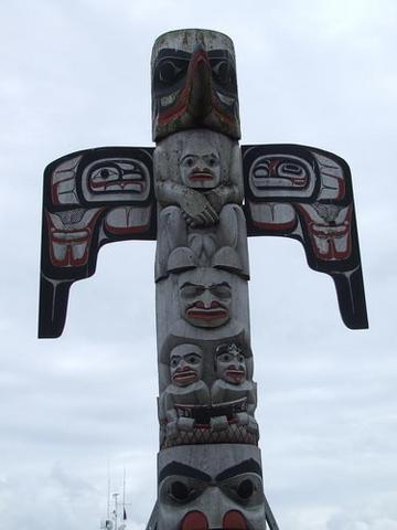 File:Alaskan Totem Pole.png