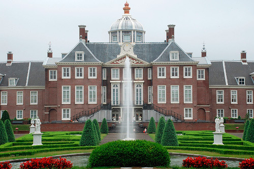 File:Huis ten Bosch.jpg