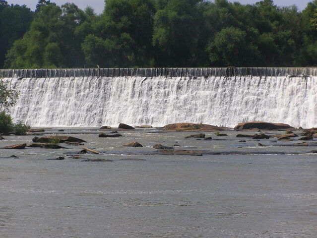 File:Another view below thw dam.jpg