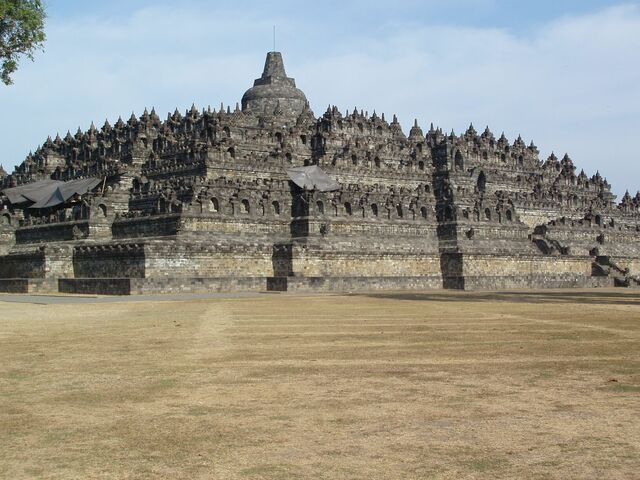 File:Borobudur7.jpg
