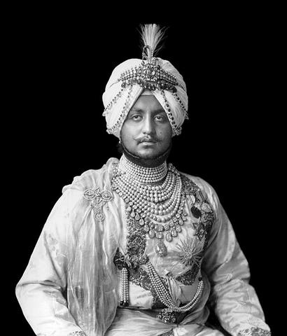 File:Maharajah Fakeer Singh (Ranjit Singh Lives).png