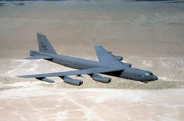 File:800px-Usaf.Boeing B-52-1-.jpg