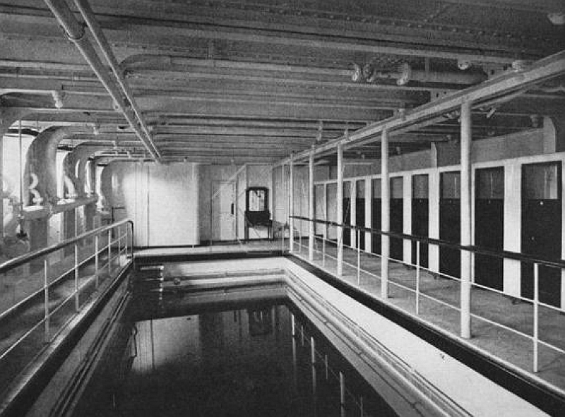 Rms olympic the millionaire 39 s special alternative - Did the titanic have swimming pools ...