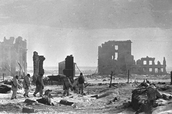 File:RIAN archive 602161 Center of Stalingrad after liberation.jpg