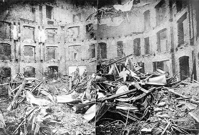 File:Ringtheater Ruine 1881.jpg