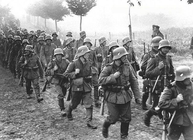 File:German infantry marches into Czechoslovakia (FG).jpg