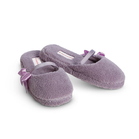 File:IsabelleSlippers.jpg