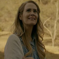 Sarah Paulson in the role of the re-enacted  <a href=