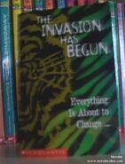 Disney Adventures mini book with 1998 issue in australia